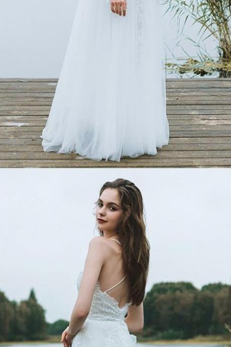 Spaghetti Strap Lace Appliques A-line Tulle Floor-Length Wedding Dress with Crisscross Back